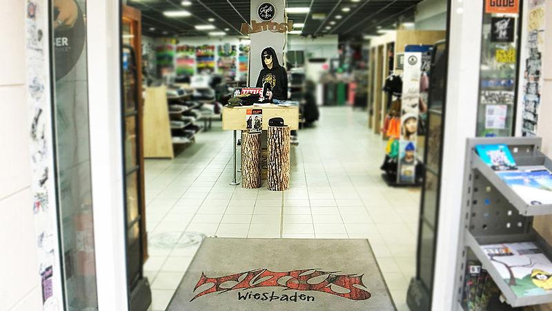 48cf0be49b401a Shop-Infos - Titus.de - Skateboard News