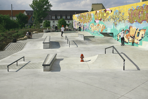 8bb6f292fec7cf Skateparks unter die Lupe genommen -